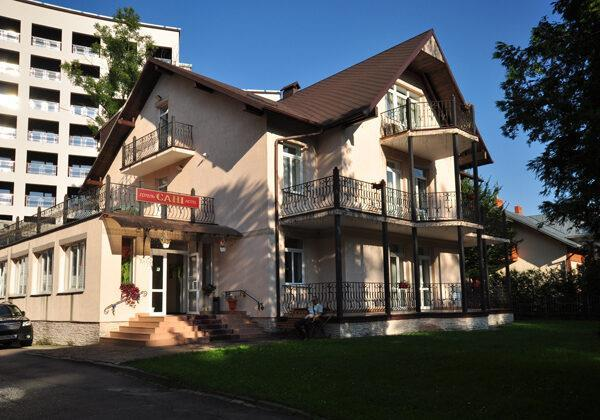 готель Сані Трускавець головна