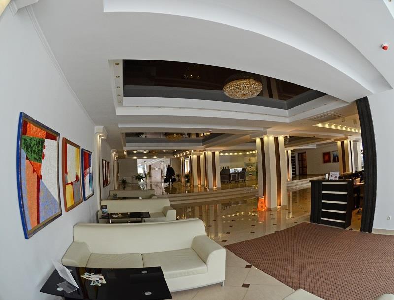 Оновлений лобі бар в санаторії Шахтар