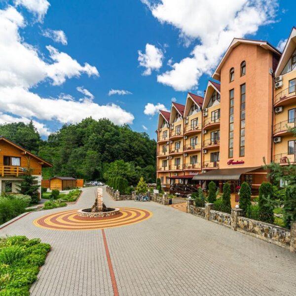 готель Фантазія територія