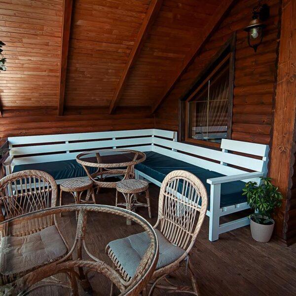 Скамейка для вашего отдыха в отеле Лагуна