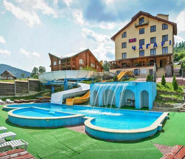 Готель Чагарі відпочинок у Славську з басейном