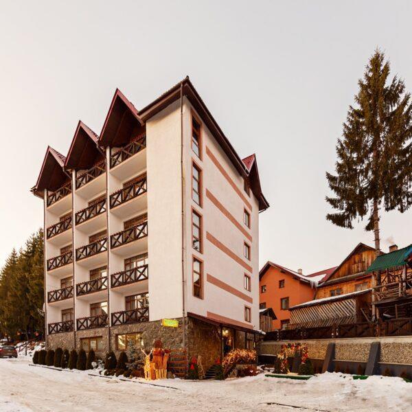 готель Горгани головна