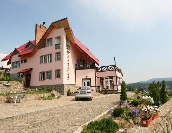 Фортеця готель у Славське