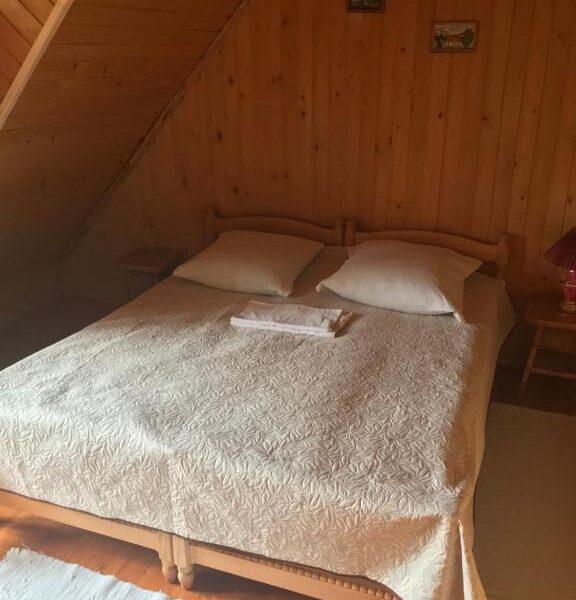 Затишне ліжко в садибі «Гірський світанок»