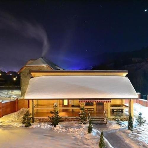 Зимний вечер в отеле Золотая Подкова
