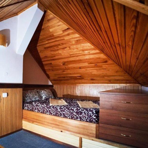 комфортная кровать Коттедж 12 месяцев