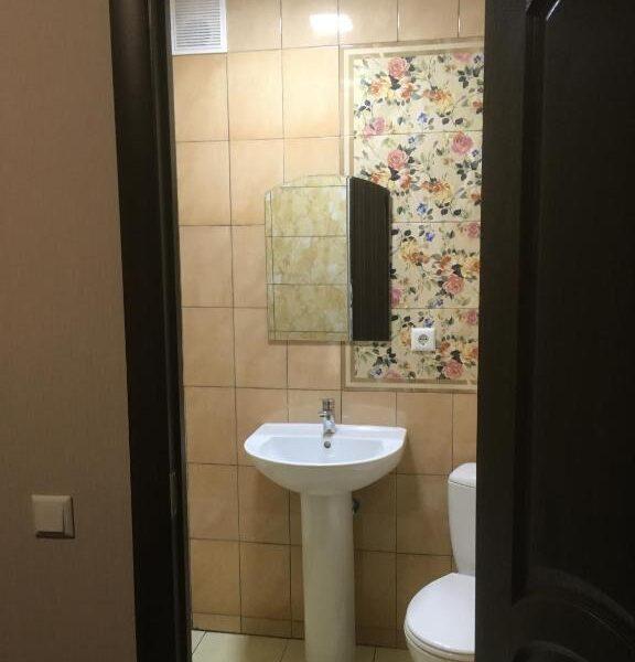 Вхід у ванну кімнату в готелі Терем