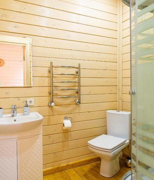 ванная комната в коттедже Альпийка горы
