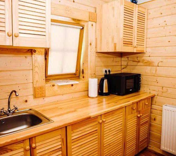 Кухня в доме с одной спальней отель Панщина