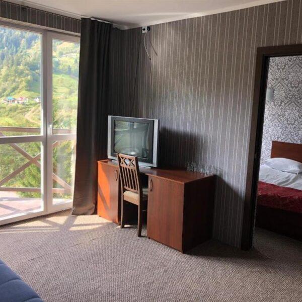 Панорамные окна в отеле Терем