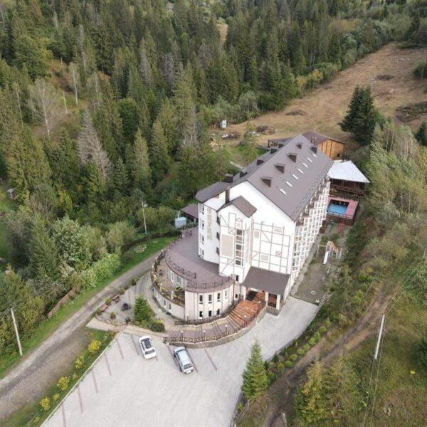 Готель Терем з висоти пташиного польоту