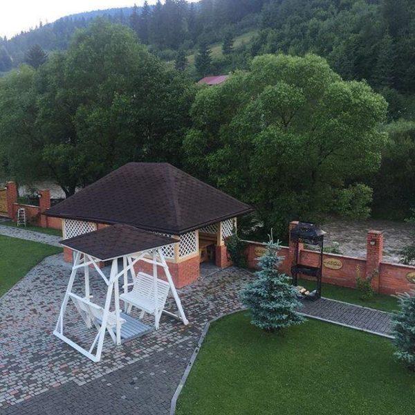 Вид на территорию отеля Золотая Подкова