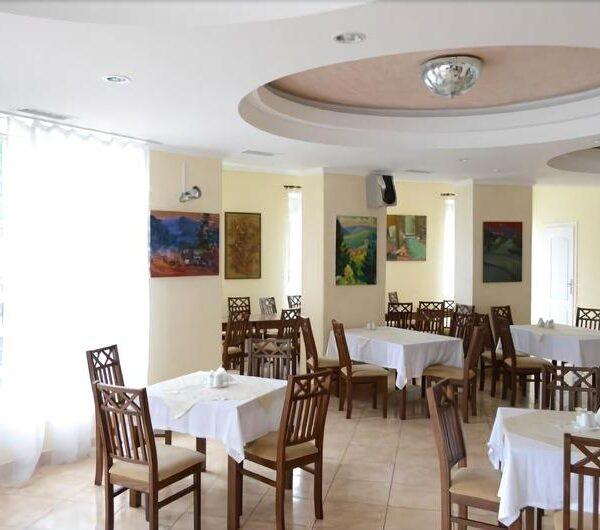 Современный ресторан в отеле Терем
