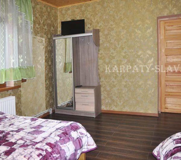 Уютная кровать в отеле Аура Карпат Славське