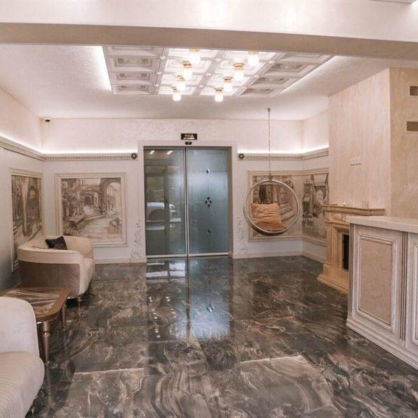 холл в отеле Баймонт Закарпатье