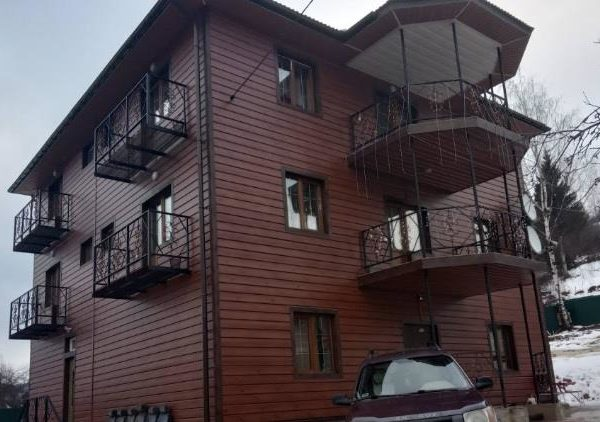 Затишний будинок в готелі Аура Карпат