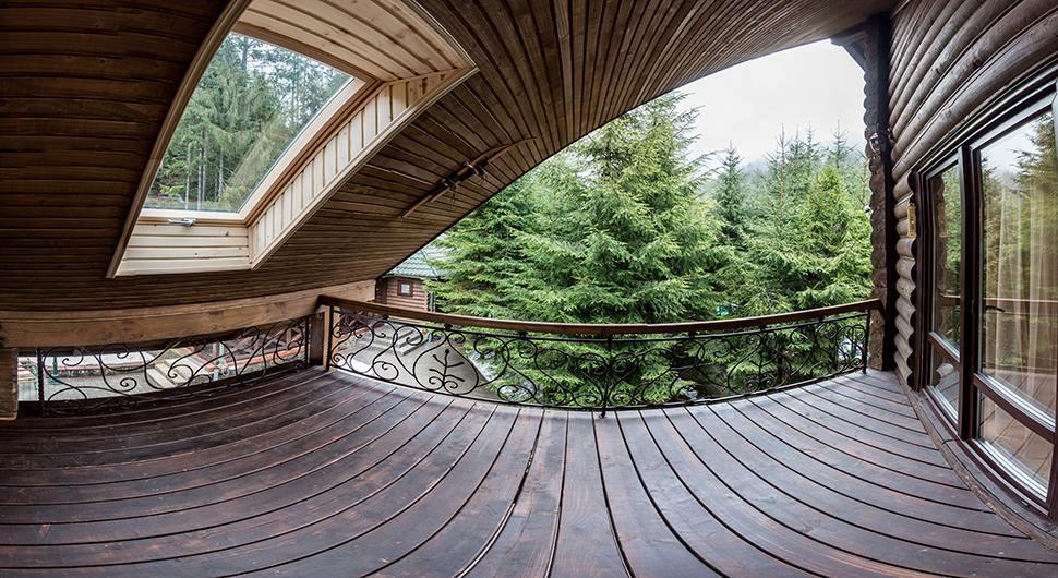 Вид с окна в отеле Лесной маеток