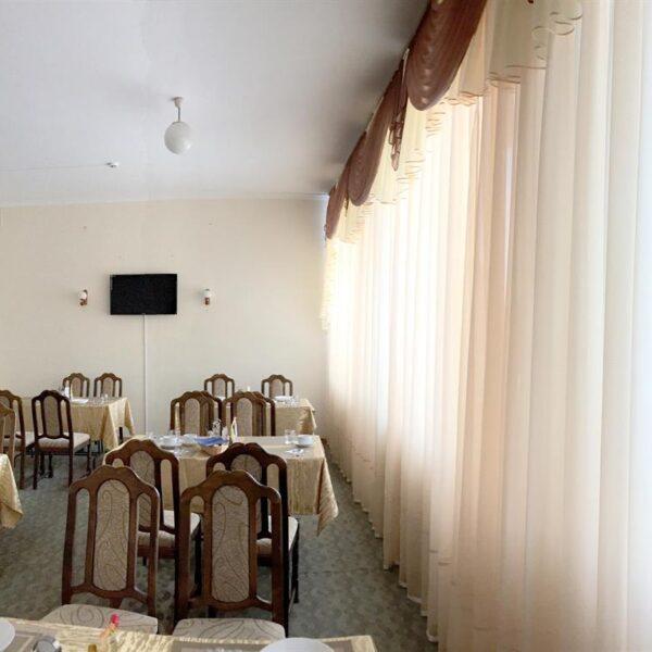Уютная столовая в санатории Дубрава