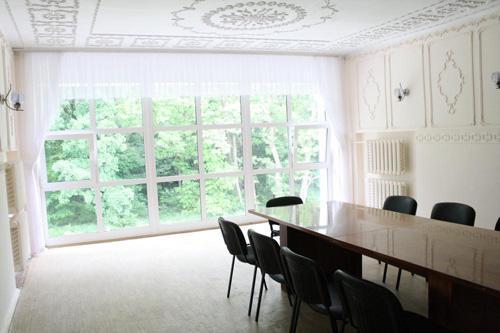 Вид с окна в конференц зале санаторию Дубрава
