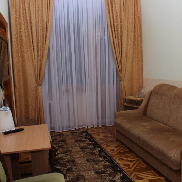 Гостиная в номере санатория Дубрава