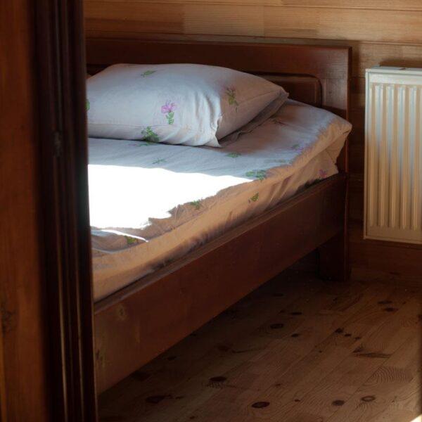 Односпальная кровать отель Рандеву