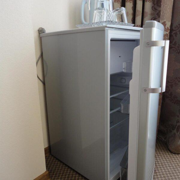 Міні холодильник в номері санаторія Діброва