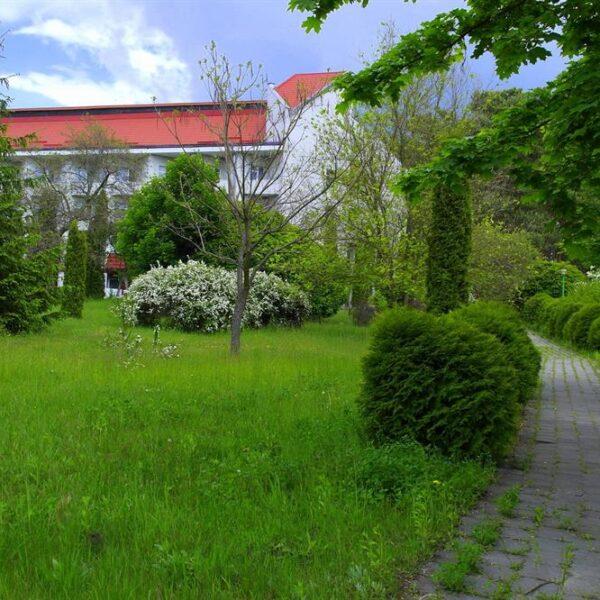 Вид на корпус санатория Червона Калина