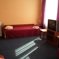 Уютная кровать санаторий Шкло
