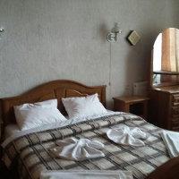 Двоспальне ліжко санаторій Шкло