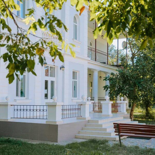 Зелена територія санаторій Горького Одеса