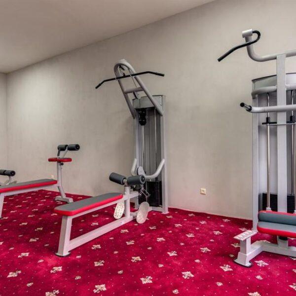 Тренажерный зал в санатории Лаяр Палас