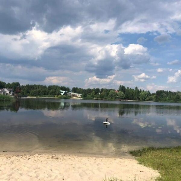 Озеро в санаторие Жовтень