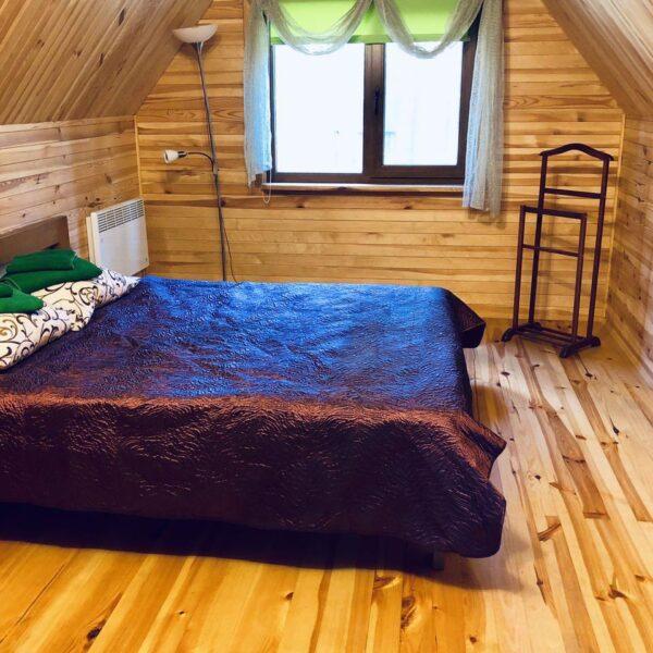 Затишне ліжко в номері санаторій Пролісок