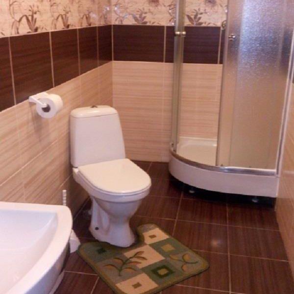 "Сучасна ванна кімната в санаторії ""Біла Акація"""