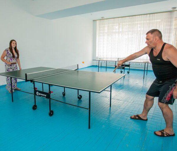 Теннис в санатории Червона Калина