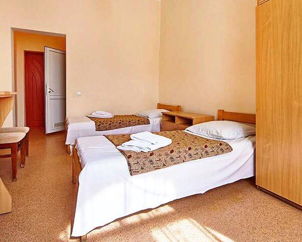 Односпальные кровати в санатории Горького