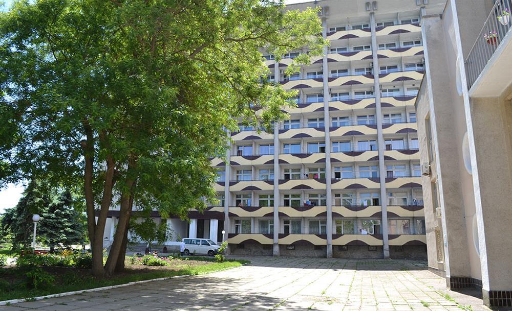 Большой корпус санатория Одесский