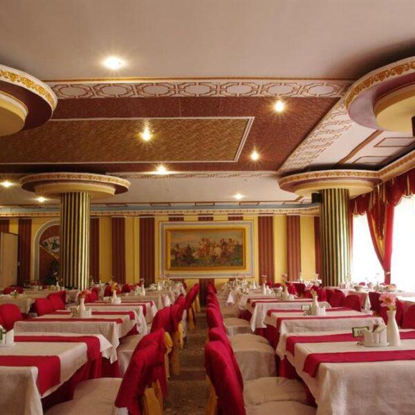 Уютный ресторан санаторий Роща фото