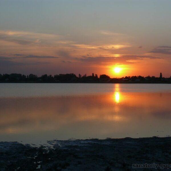 Захід сонця в санаторії Гопри