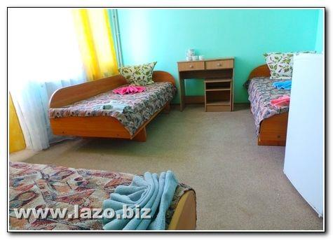 Три односпальні ліжка санаторій Сергія Лазо