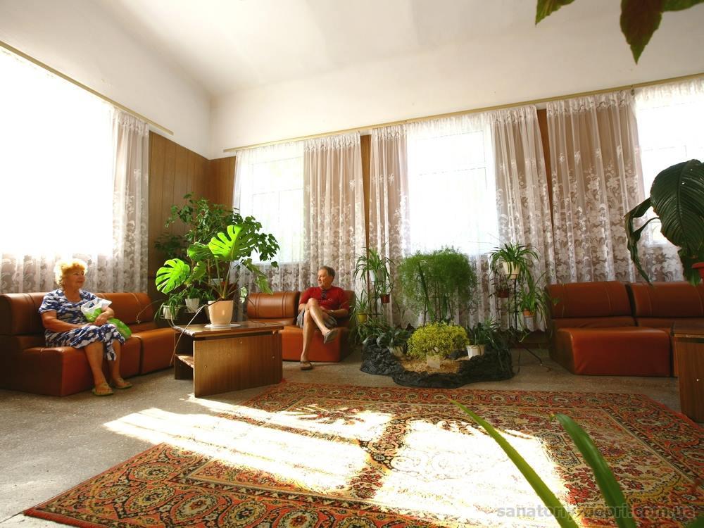 Хол в санатории Гопри фото