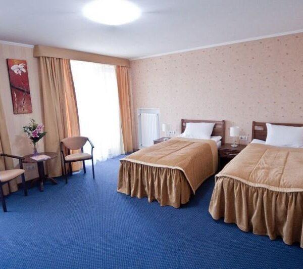 Две односпальные кровати санаторий Гранд Марин