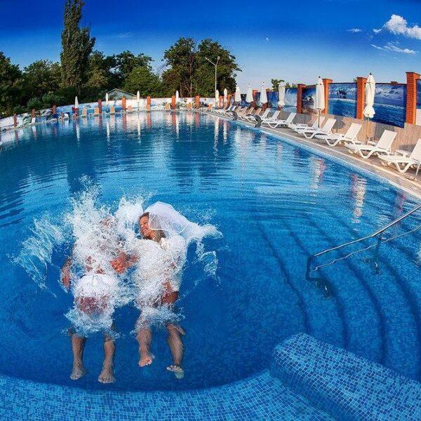 Великий відкритий басейн санаторій Гранд Марін