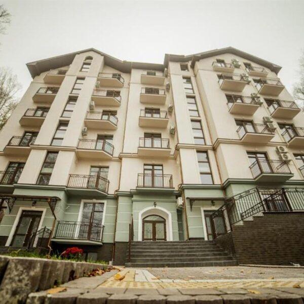 Головний корпус готелю Кайзервальд