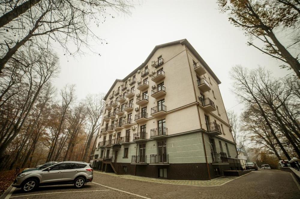 Апарт-готель «Кайзервальд» парковка фото
